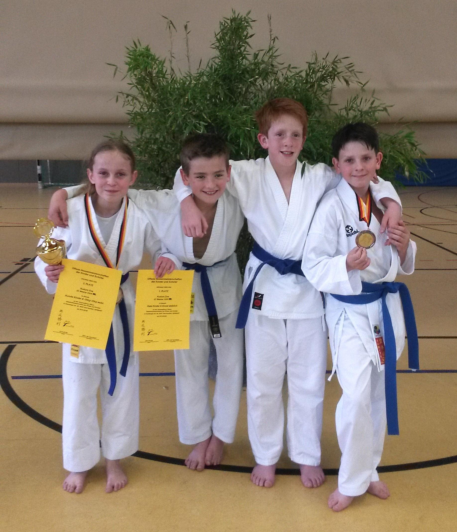 Von links nach rechts: Zoe Kodura Kian Hanker Daniel Conrad Cevin Nitschke.